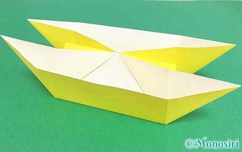 折り紙で折ったにそう船
