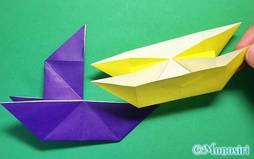 折り紙で折った船