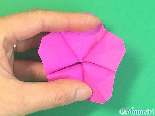 折り紙で立体的なハイビスカスの折り方手順37