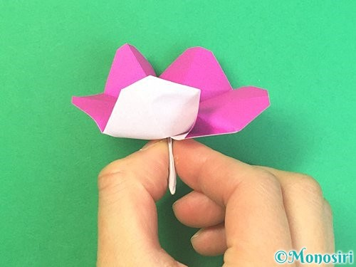 折り紙で立体的なハイビスカスの折り方手順39