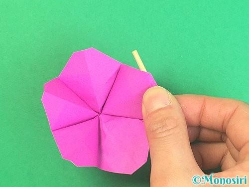 折り紙で立体的なハイビスカスの折り方手順41