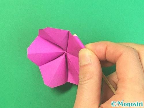 折り紙で立体的なハイビスカスの折り方手順42