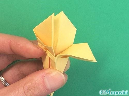 折り紙で水仙の立体的な折り方手順40