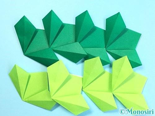 折り紙でクリスマスリースの作り方手順15