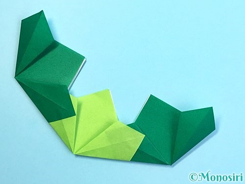 折り紙でクリスマスリースの作り方手順18