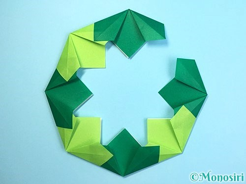 折り紙でクリスマスリースの作り方手順19