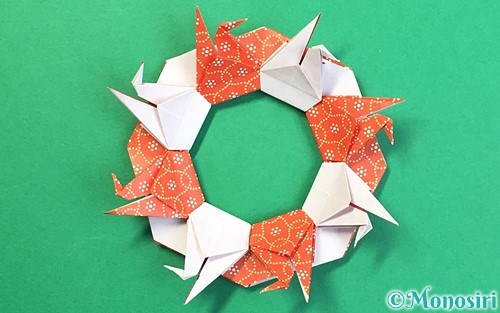折り紙で作った鶴リース