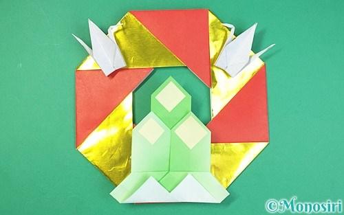 折り紙で作ったお正月リース