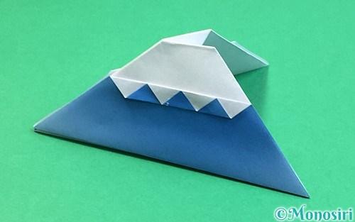 折り紙で折った富士山