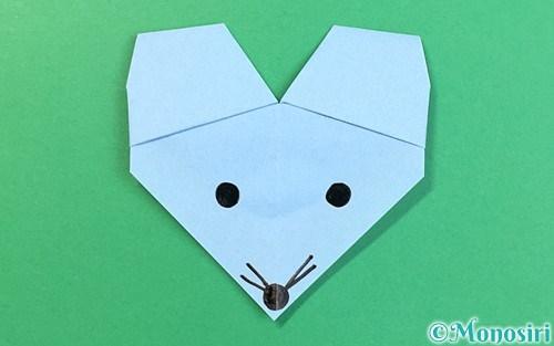 折り紙で折ったねずみ
