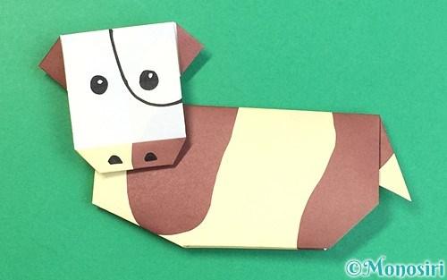 折り紙で折った牛