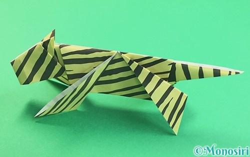 折り紙で折った立体的な虎