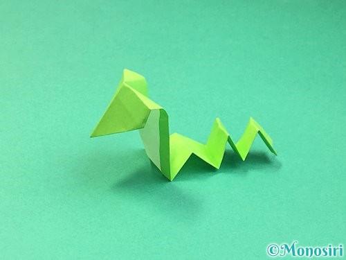 折り紙でヘビの折り方手順26