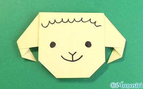 折り紙で折った羊の顔