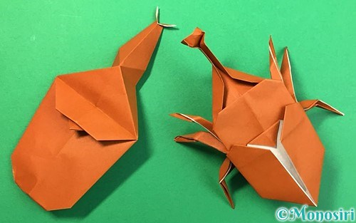 折り紙で作ったカブトムシ