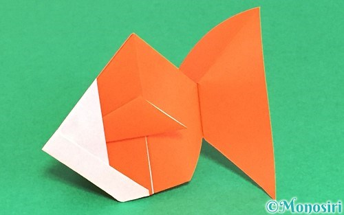 折り紙で折った金魚