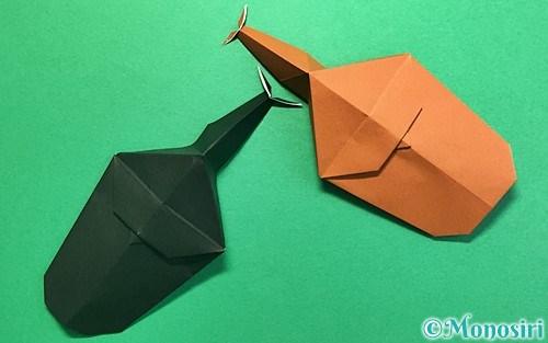 折り紙で折ったカブトムシ