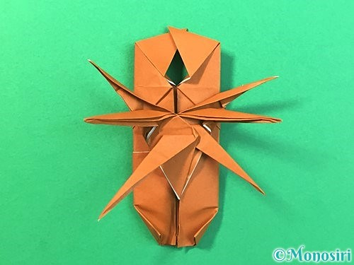 折り紙で立体的なクワガタの折り方手順74