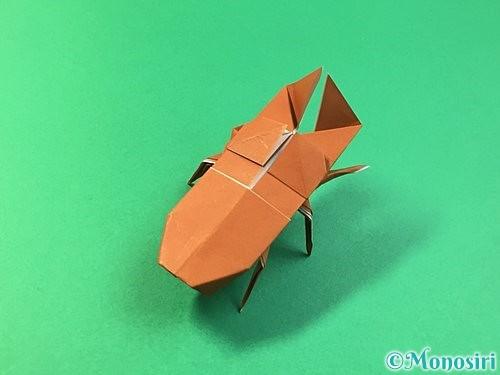 折り紙で立体的なクワガタの折り方手順76