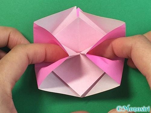 折り紙で立体的なバラの折り方手順21