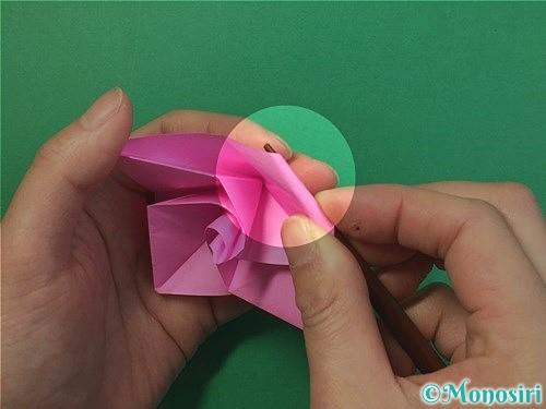 折り紙で立体的なバラの折り方手順39
