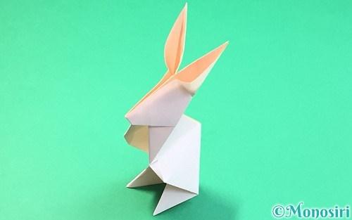 折り紙で折った立体的なうさぎ