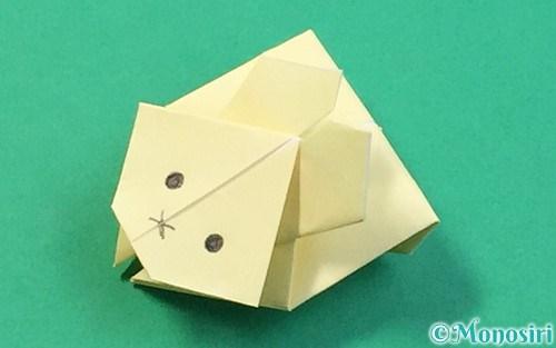 折り紙で作ったぴょんぴょんうさぎ