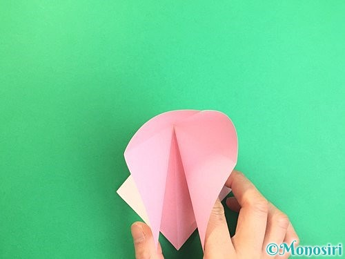 折り紙で立体的なコスモスの折り方手順7