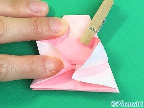 折り紙で立体的なコスモスの折り方手順33