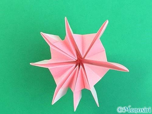折り紙で立体的なコスモスの折り方手順48