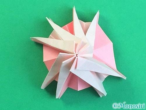 折り紙で立体的なコスモスの折り方手順58