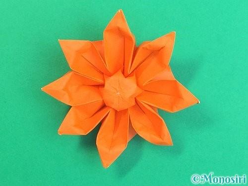 折り紙で立体的なガーベラの折り方手順49
