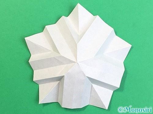 折り紙で立体的なリンドウの折り方手順28