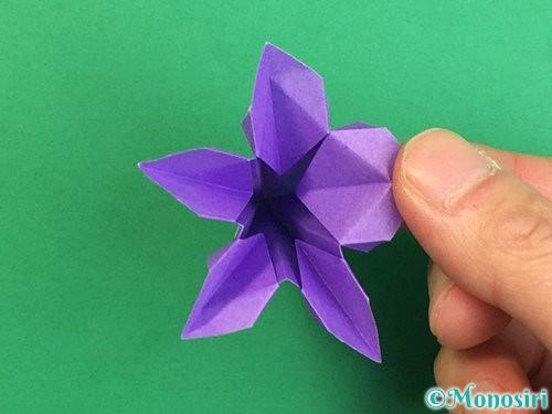 折り紙で立体的なリンドウの折り方手順43