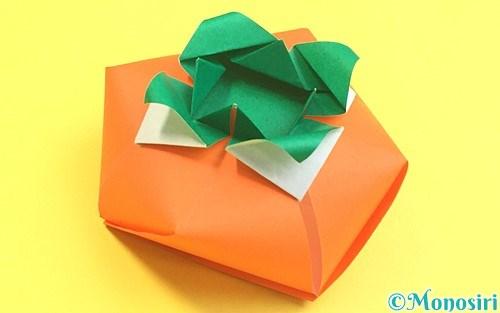 折り紙で作った立体的な柿