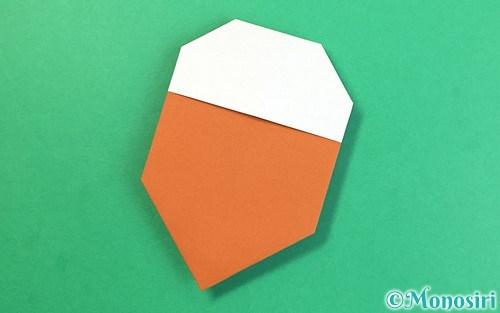 折り紙で折ったどんぐり