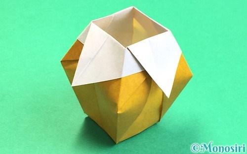 折り紙で折った花瓶