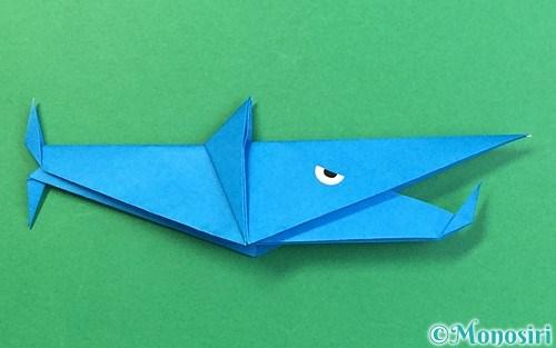 折り紙で折ったサメ