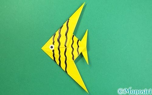 折り紙で折った熱帯魚