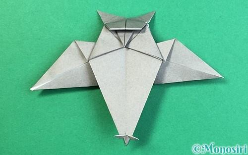折り紙で折ったフクロウ