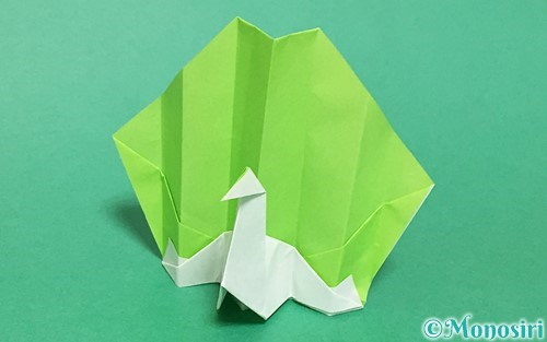 折り紙で折った孔雀