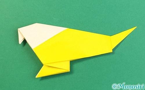 折り紙で折ったインコ